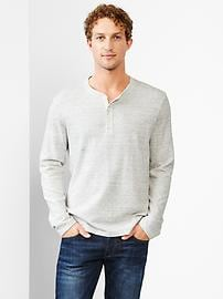 Textured ribbed henley