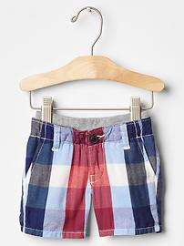 Pull-on plaid shorts