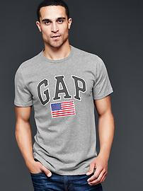 Arch logo flag t-shirt