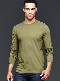 Shoulder-button solid t-shirt