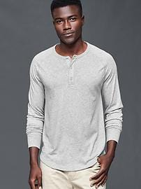 Solid long-sleeve henley
