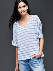 Open V-neck stripe tee