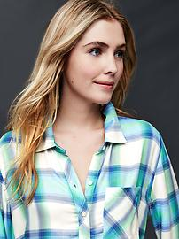 Soft plaid boyfriend shirt