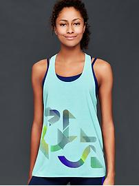 GapFit Breathe graphic tank
