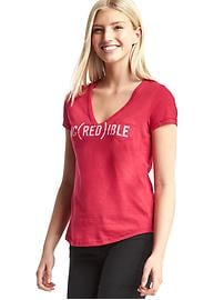 Gap x (RED) V-neck tee