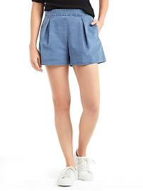 Pleated indigo shorts