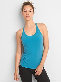 GapFit Breathe strappy shelf tank