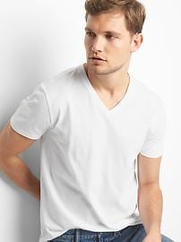 The essential V-neck T